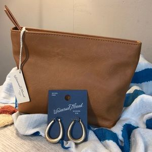 NWT Universal Thread Earrings/Bag